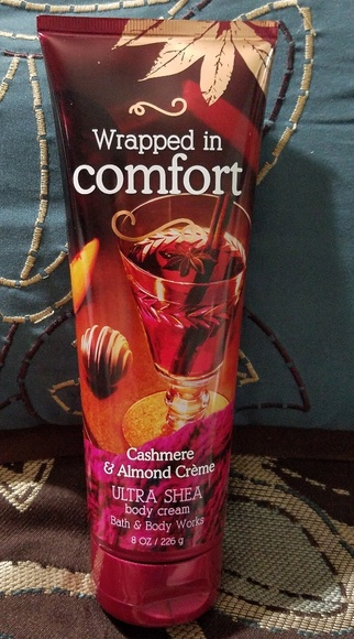 Bath & Body Works Other - BBW WRAPPED IN COMFORT